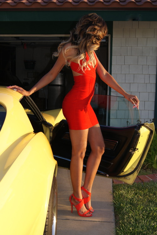allthingsslim:  More via Little Red Corvette