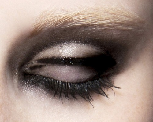 wink-smile-pout:  Make-up at Lanvin Spring 2010