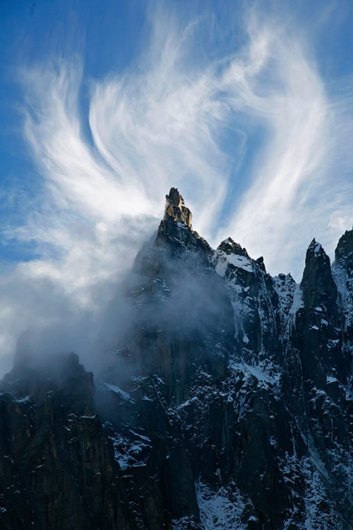 astratos:  Cloud formation on the Dent du Requin  |  Jonathan Griffith