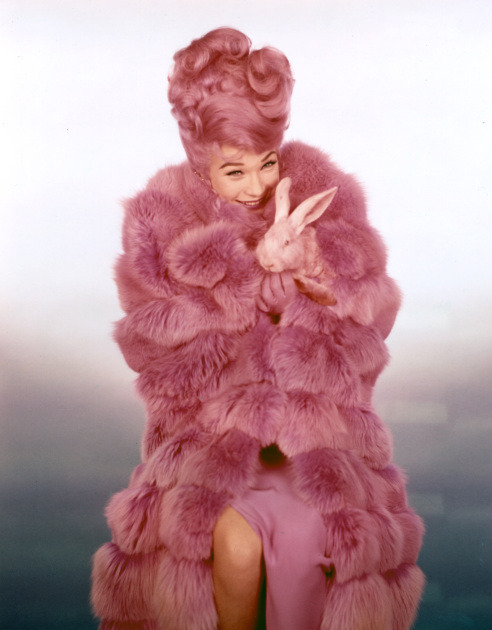 davidbowiehatesyou:  Shirley MacLaine in What a way to go! (1964)