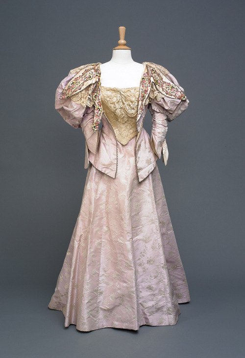 Ball gown, 1896 From the Hull Museums