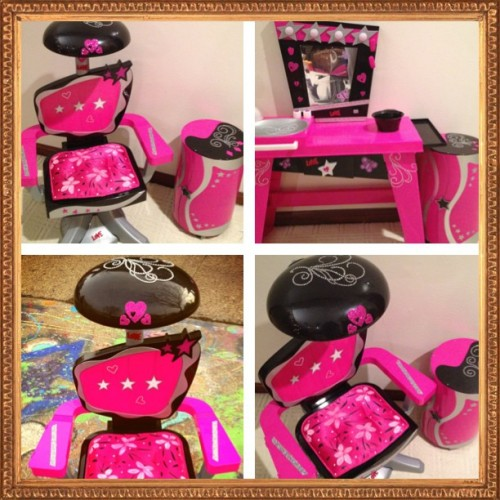 #beautysalon #i #made #for #my #granddaughter #for #christmas #girl #pink #diamonds #black #iphoneonly #instagrammer #cute #ig