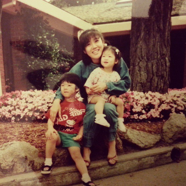 HAPPY MOTHER'S DAYY to my beautiful momsies~~ I love you omma♥♥♥ 8) #엄마 #사랑해 #mothersday #missyou