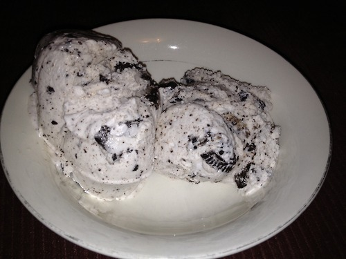 Breyer's Cookies & Cream ice-cream 🍪🍨 »>