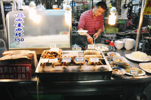 baosters:  Liuhe Night Market (六合夜市), Kaohsiung, Taiwan.
