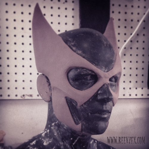 reevzfx:  started a Huntress mask commission —- rough sculpt  That looks very awesome.