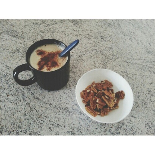 To servido. #coffe #capuccino #chestnuts #food #delicious