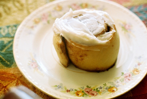 imperfectio:  Thanksgiving Cinnamon Roll by oh it's amanda on Flickr.