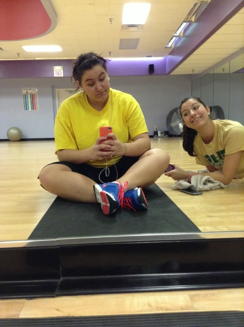 mamabearnword:  Awkward gym pictures :3