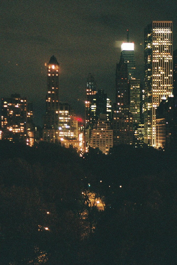 finqerin:  my heart burns for the city lights