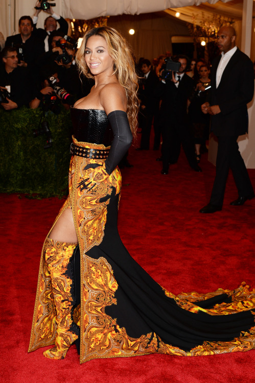 fashion-boots:  Beyonce in Givenchy Over The Knee Boots and Opera Gloves, at the Met Gala at the Metropolitan Museum of Art, NYC, 2013
