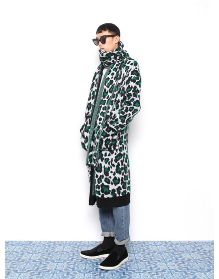 Min Joon Kiwears Push Button autumn/winter 2014
