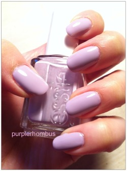 Plain Jane Monday: Nice is Nice by Essie, one of my favourite nail polishes. :)