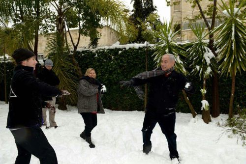 eretzyisrael:  Even Bibi is in the mood to play in the snow !