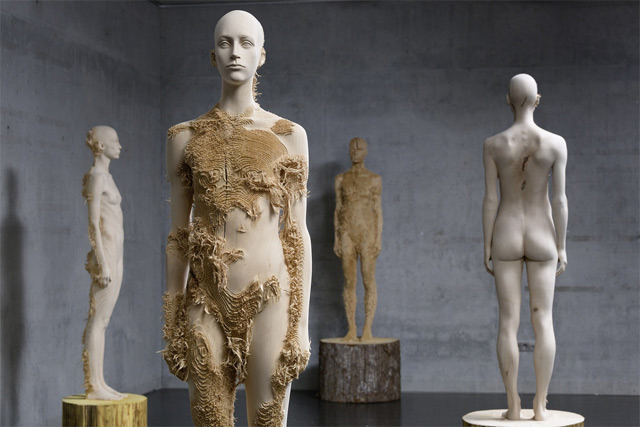 supersonicelectronic:  Aron Demetz. Wooden sculptures by Aron Demetz: Read More