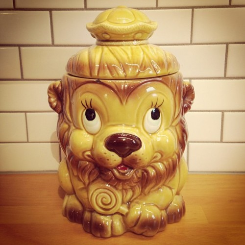Another #estatesalefind #retro #vintage #cookiejar #leo #lion #estatesale