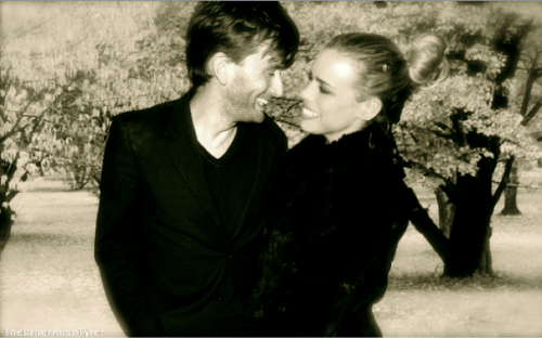 "theotherrosetyler:  Doctor Who AU:  Married Life  ""We should have fall photos."""