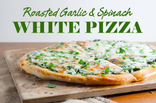 {NEW POST} on AmyBites: Roasted Garlic & Spinach White Pizza