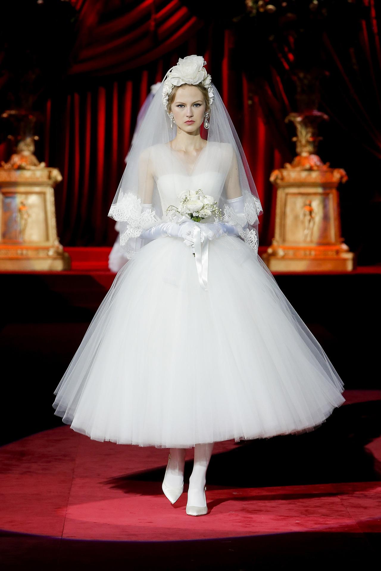 Dolce & Gabbana | RTW Fall/Winter 2019/20 #dolce and gabbana #fall#fw19#2019#2019 wedding#wedding affair#bridal#wedding dress#fashion#bridal dress#dress#RTW#bridal 2019