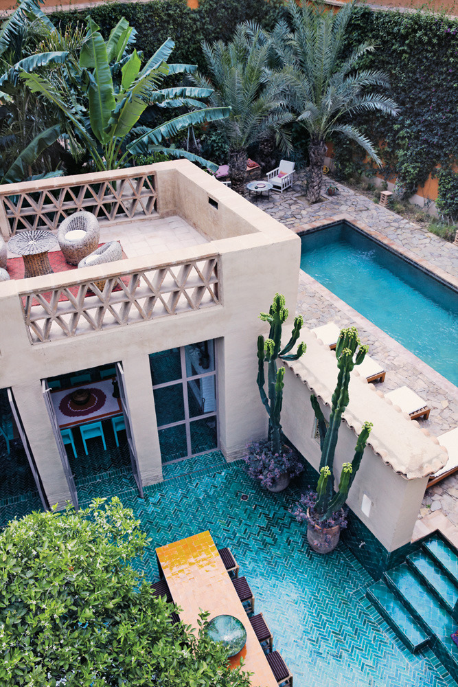 lemoneau:  throughjo:  Turquoise paradise… (loving the tile…) Moroccan house by Christophe Decarpentrie  ☆