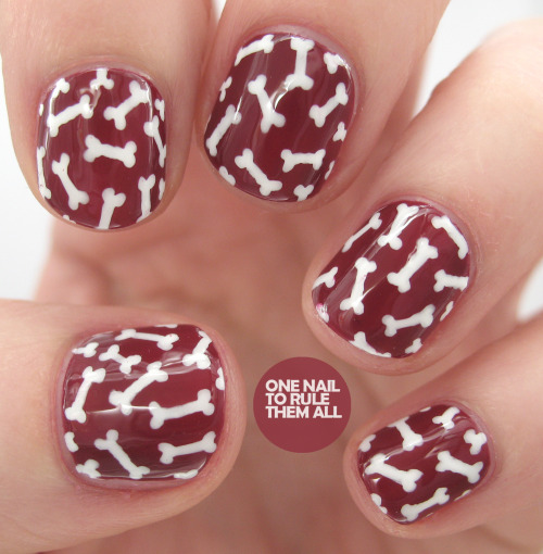 onenailtorulethemall:  Did you ever check out my review of the Barry M nail art pens? You can see it here