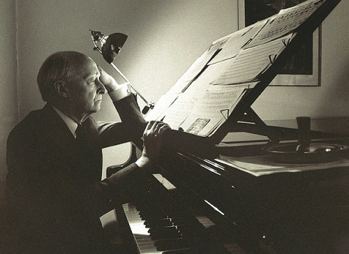 jmviolin:  beatleslovedblackmetal:  lutoslawski3 at the piano (lumière1)  <3