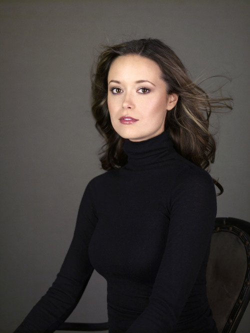 sammy9578:  Summer Glau  Warning: This photo may induce tachycardia.