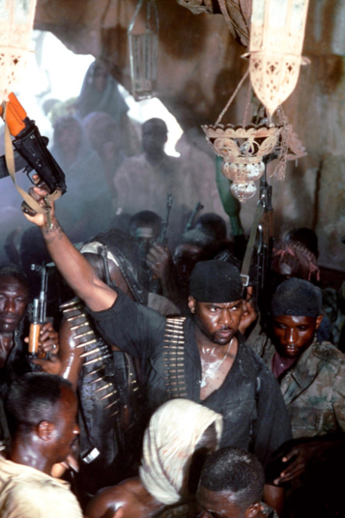Somali forces get ready for battle in Ridley Scott's Black Hawk Dawn (2001)