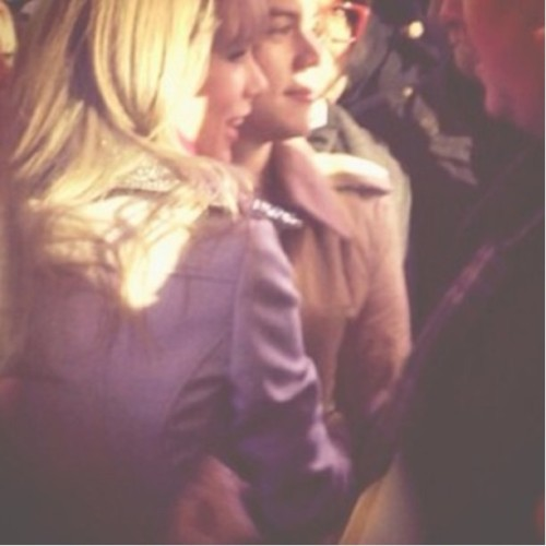 tswiftdaily:  Taylor and Harry on NYE