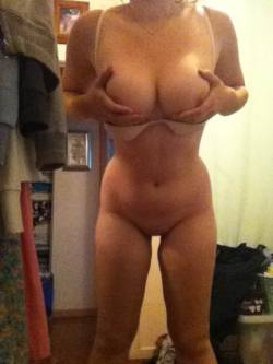 friendz0ne:  http://reality-b-itch.tumblr.com/ SUBMIT YOUR BODY!http://friendz0ne.tumblr.com/submit