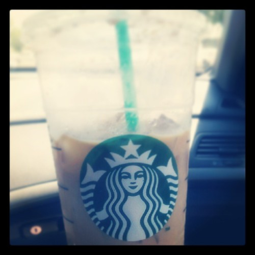 #fmsphotoaday #want #day18 #venti #icedsoycaramelmacchiato #satisfied #sunnyday #mayphotoaday  #photochallenge