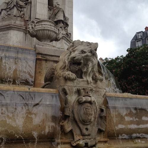 Felt like I was posting too much while in #Paris so I saved a few! #lions  (at Place Saint-Sulpice)
