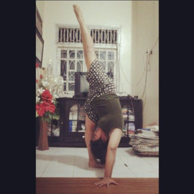 #strech #flexibility #flexible #standingsplit #split #fitness #fit #yoga #dance #cheerleading #gymnastics #contortion #health #ballet #pose #Indonesia #bye