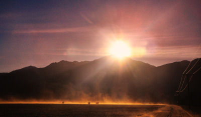 definitelydope:  Wind in the Desert With Sun Flare (by Bill Gracey)
