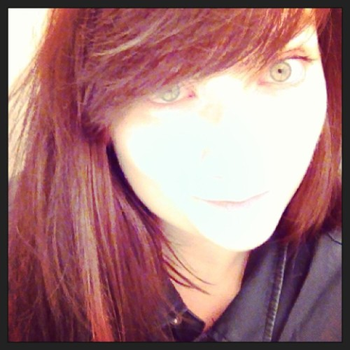 Like ghosts in the snow #palechick #brunette #breakroom  (at H&M)