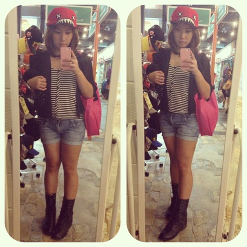 #OOTD #OutfitoftheDay #fashion #fashionista #shopping #snapback #cartoon #cute #streetstyle #streetwear #lookbook #saturday #picoftheday #photooftheday #bestoftheday #selca #selfies