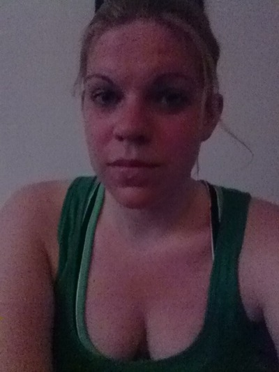 I look so good after running… I should tots use this for my dating profile…. Caption it: Sweaty, dirty and exhausted… But gotta keep motivating myself regardless of the heat.
