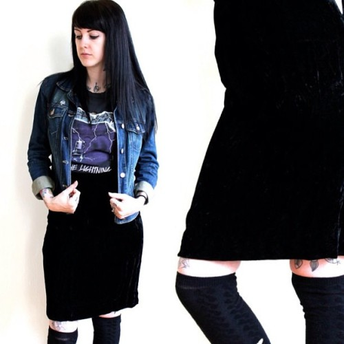 Being a super babe💕 velvet high waist skirts for the biker babes and Victorian revivalist alike!! #etsy #shop #vintage #retro