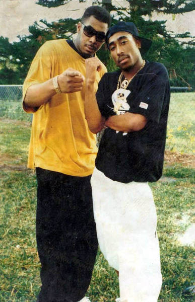 hiphopphotomuseum:  Photo of 2Pac and PMD in 1992.
