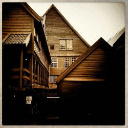#Bryggen by the back side. #Bergen #Norge #ilovenorway #unesco #unescoworldheritage #Vignette