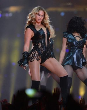 Beyoncés Super Bowl dressView Post