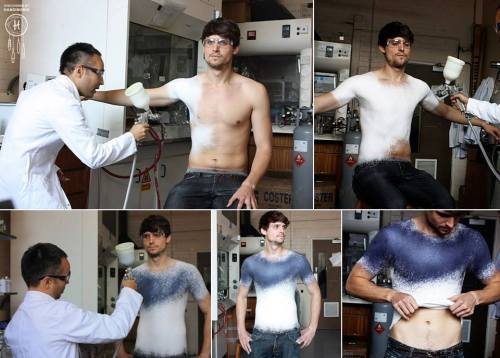 Spanish fashion designer Manel Torres invented the world's first clothes-spray, which after application to the body can be removed, washed and worn again. Spray consists of special fibers mixed with polymers, so that the product obtained elastic and durable.  No, no es fake, niños.