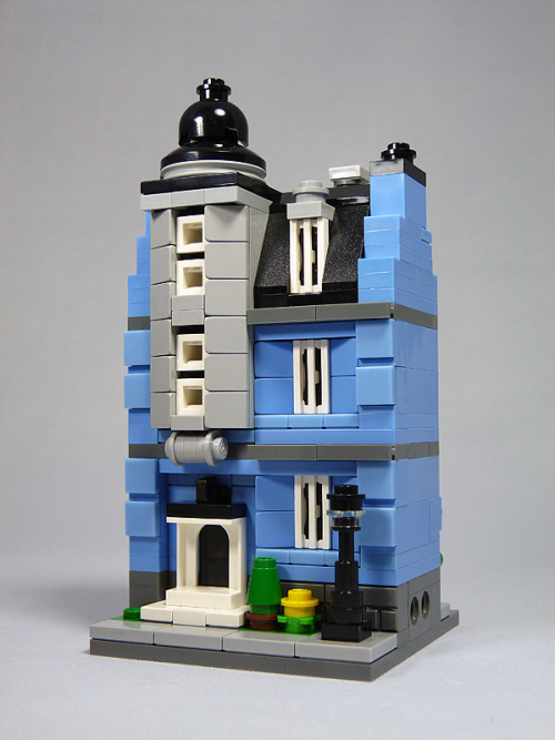 "LEGO Mini Modulars MOC: ""Blue Ave No. 7"" (by moctown)"