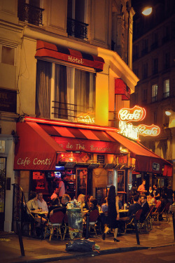 parisbeautiful:  paris nightlife by derekwilliams2013 on Flickr.
