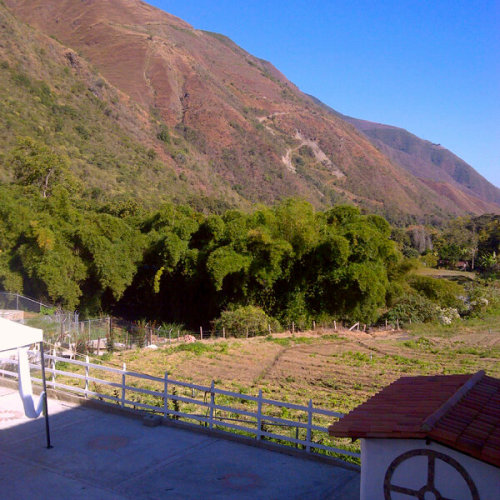 #Mountain #Venezuela (Photo taken and uploaded via MOLOME )