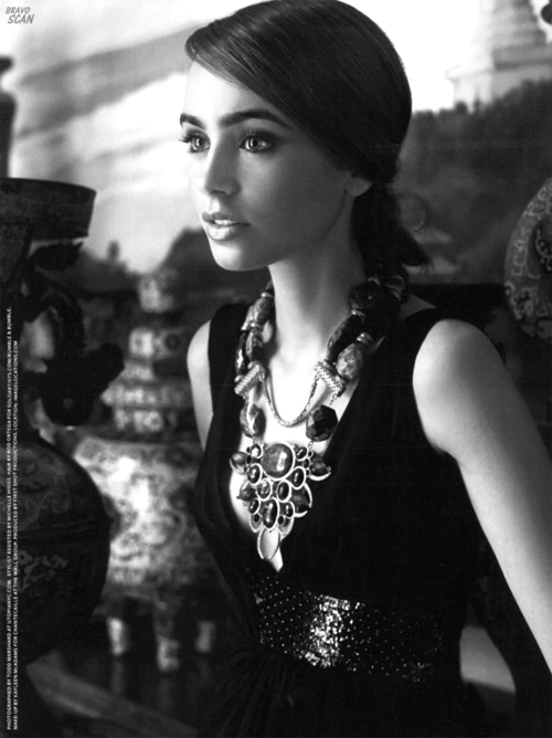 alxska:  Lily Collins is so beautiful.