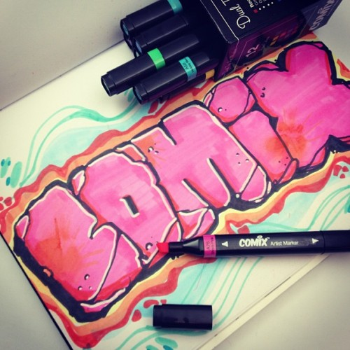 That pink is super vibrant! I'm feelin these COMIX markers..#artprimo  #blackbook #graffiti #comixmarkers
