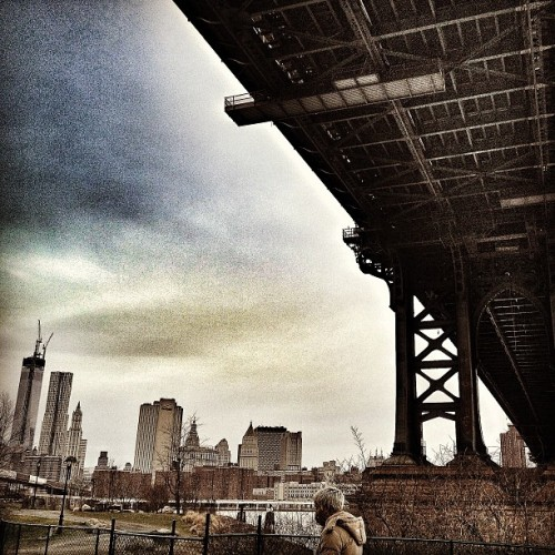 mikeykaynyc:  Underneath the #Manhattan bridge… #brooklyn #freedomtower #manhattan #skyline