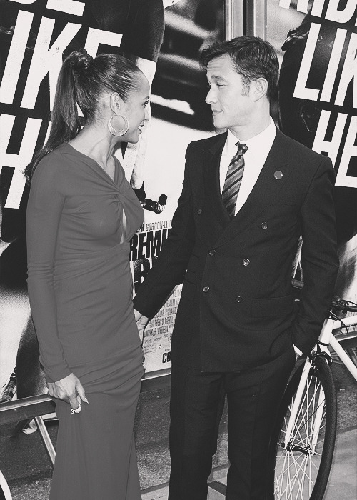 "Joseph Gordon-Levitt and Dania Ramirez | ""Premium Rush"" New York Premiere (21.08.12)"