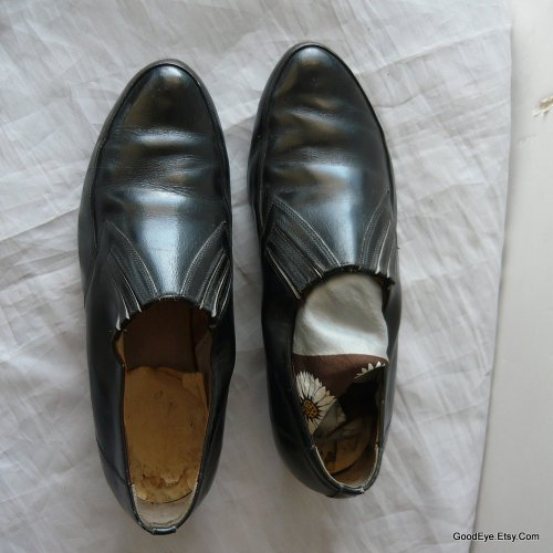 Mad Men..wore these..1950s-1960s mens vented loafers..in black leather..size8..  @ www.GoodEye.Etsy.Com